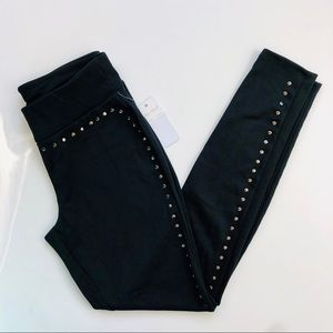 Stud trimmed leggings black high rise
